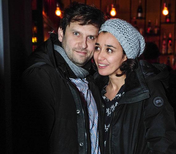 Gryllus Dorka és párja, Simon Kornél ritkán mutatkoznak sztárokat felvonultató rendezvényen, de Lakatos Márk szülinapját ki nem hagyták volna, hiszen a színésznő hosszú évek óta szoros barátságot ápol a stylisttal.