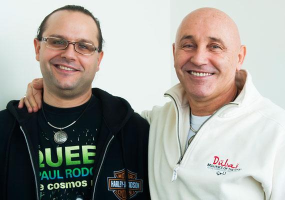 A 64 éves Pataky Attila kisebbik fia, Acsa 2003-ban jött világra, nagyobbik fia, Gergely viszont már 40 éves.