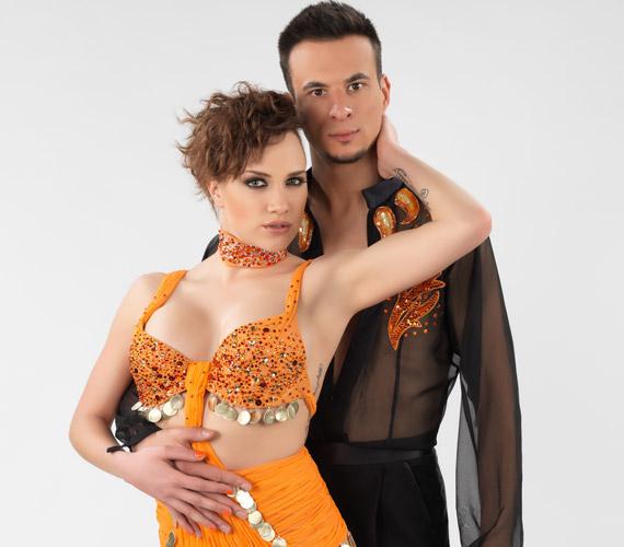 Tóth Gabi és Markó Róbert a 2013 márciusában indult Szombat Esti Láz párosaként került közelebb egymáshoz, de állításuk szerint csak a műsor végeztével jöttek össze.