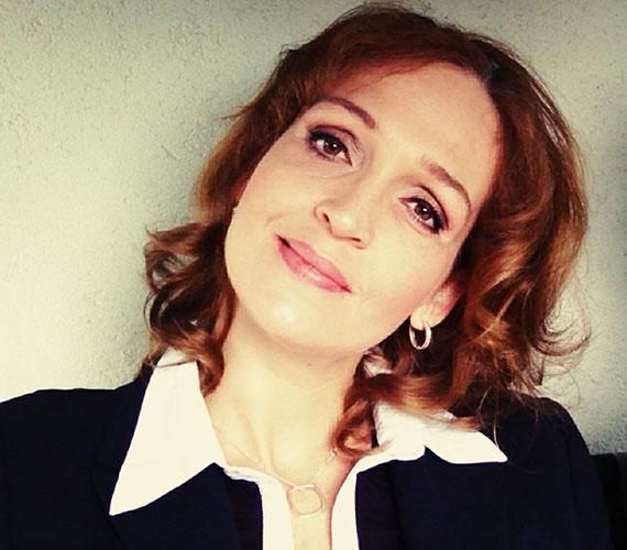 Horváth Lili két fia után tavaly januárban egy kislánynak adott életet. A 39 éves színésznő mindkét fia, Ádám és Áron is nagyon várta a kis Dóra Lilit.