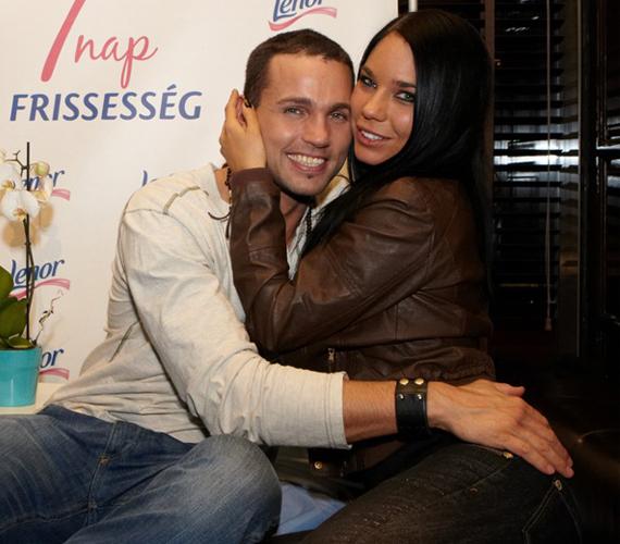 Müller Attila és Rajnai Réka tavaly október vége óta alkot egy párt, azóta pedig dúl a szerelem közöttük.