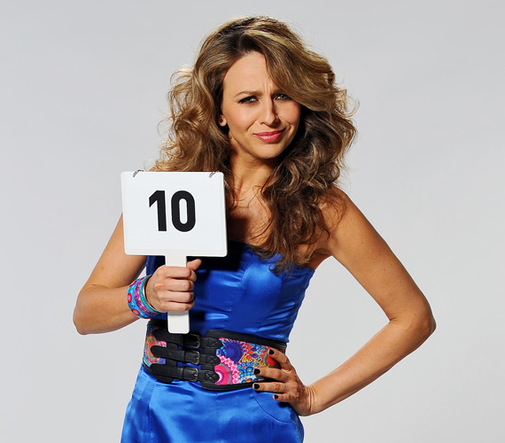 A válaszadók 58 %-a Pokorny Lia, színésznőt kedveli a leginkább, ezzel jelenleg ő a legnépszerűbb magyar tévés személyiség.