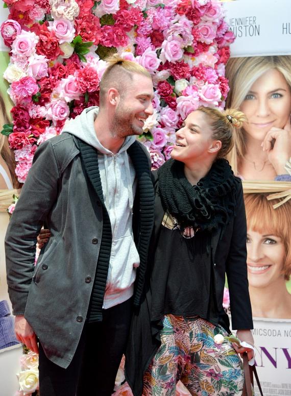 Danics Dóra, a 2013-as X-Faktor győztese barátjával érkezett az Anyák napja premierjére.