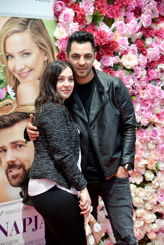 Oláh Gergőt tavaly novemberben ajándékozta meg felesége, Niki a harmadik gyermekükkel - az énekes pár órára egy kettesben eltöltött programot szervezett.