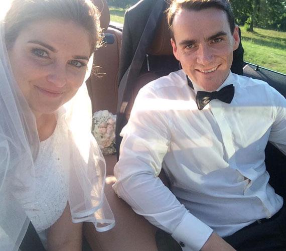 """""""A legboldogabb napunk. Mindenkinek azt kívánom, hogy egy ilyen társat találjon!"""" - így tudatta a fotó kíséretében Michelisz Norbert, hogy augusztus 29-én feleségül vette szerelmét. Az autóversenyző hét éve van együtt Johannával, akit 2012-ben jegyzett el."""