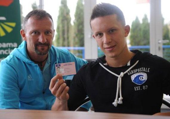 Kovács István olimpiai és világbajnok ökölvívó fiús apa: a 44 éves Koko a 17 éves Gergőt és a 20 éves Bencét - a képen - neveli.