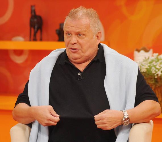 A közismert rádiós-lemezlovas Dévényi Tibor életmódváltásáról mesélt, melynek köszönhetően már tíz kilót ledobott.