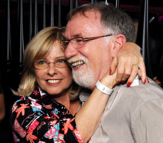 Vágó István és Vágó Judit 36 éve házasok, kitartottak egymás mellett jóban és rosszban. Szükség is volt az eltökéltségre, ugyanis a kilencvenes években megjelent egy harmadik személy a kapcsolatukban, a kvízprofesszor félrelépett. Felesége nagyon megalázónak érezte a helyzetet, el akart válni, de a műsorvezető az addiginál is jobban kimutatta, mennyire szereti. Nehezen, de átvészelték ezt az időszakot, és ma már felhőtlenül boldogok.