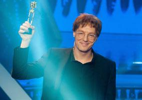 A 2013-as év egyik váratlan és nagy durranása volt a TV2 Sztárban sztár című szórakoztató műsora, melyet Bereczki Zoltán nyert meg.