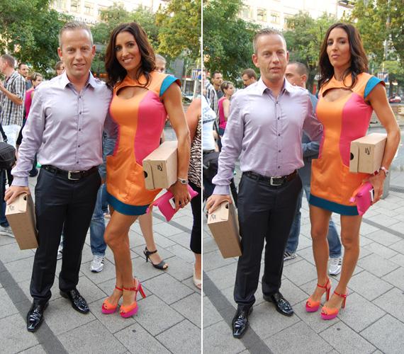 Az eseményre természetesen férjével, Schobert Norbival érkezett, aki halványlila ingjében nem kívánt elterelni feleségéről a figyelmet.