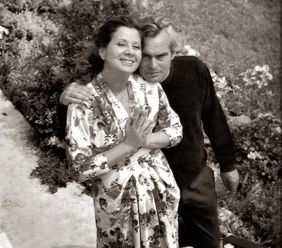 Keleti Éva fotóművész 1971 júniusában a két művészről azok otthonában készített a meghitt, kapcsolatukat bemutató fotósorozatot.