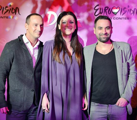 Rúzsa Magdi zsűritársai körében: jobbján Rakonczai Viktor, bal oldalán pedig a Compact Disco frontembere, Walkó Csaba.