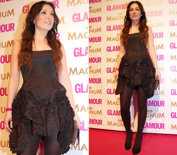 Rúzsa Magdi nem takargatta hosszú combjait - szívesen látnánk rajta máskor hasonlóan merész kreációkat, mint ez a Dalaarna ruha.