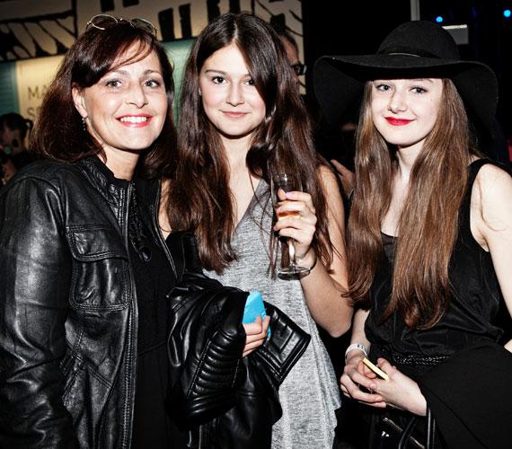 Prokopp Dóra középső és legkisebb lánya, Róza és Bora iránt már külföldi modellügynökségek is érdeklődtek.
