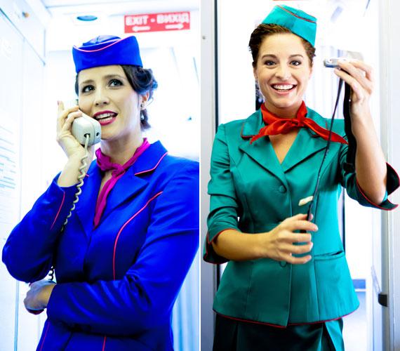 A darab sajtóbemutatóján a légikisasszonyok biztonsági bemutatóval is készültek.