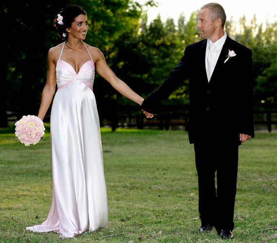 Tíz évvel az első esküvőjük után Rubint Réka harmadik gyermekükkel a hasában szervezett egy titkos ceremóniát, és a templomban is egybekeltek.