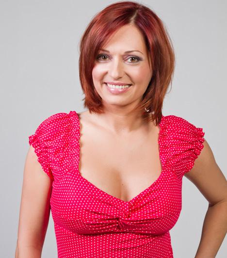 Gaál Noémi                         Gaál Noémi az érettségi után modellkedni kezdett, a Miss Hungary szépségverseny kapcsán lett a Kérdezz, felelek című műsor háziasszonya. 1997 óta a TV2 időjósa, emellett ajándékboltot és videótékát vezet.                         Kapcsolódó cikk:                         7 év együttélés után sem vette el szerelme az ismert tévést - Tudd meg, miért! »
