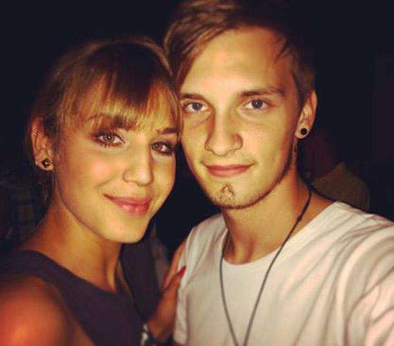 Nyári Dia, Holmann Hanna megformálója és a 2013-as X-Faktor énekese, Tóth Marci kapcsolata tavaly év végén barátságnak indult, majd miután mindketten függetlenek lettek, a 2014-es év elején egymásra találtak.