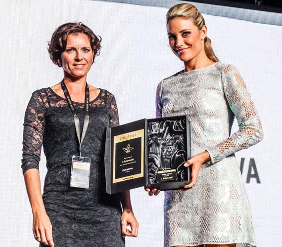 A Barátok közt 31 éves színésznője, aki egy két és fél éves kisfiú édesanyja, a baba-mama kategória díjátadójaként lépett színpadra.