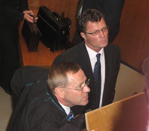 2011. március 31-én az elsőfokú tárgyaláson két év és négy hónap letöltendő börtönbüntetésre ítélték.