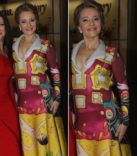 Mérai Katalin  Az Illés Júliát megszemélyesítő színésznő egy különleges Heart Couture-ruhában érkezett a gálára, aminek egyedi mintáját Somogyi Réka festményei ihlették.