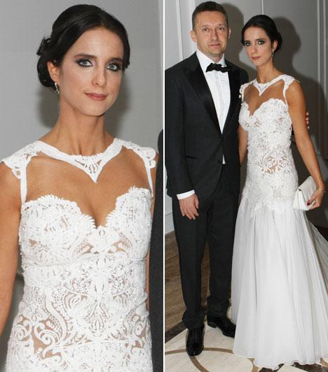 Rogán CecíliaRogán Antal felesége a Bélavári Zita Couture-Esküvői és alkalmi ruhaszalonból választott magának estélyi ruhát.
