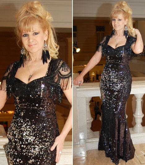 Bíró Ica  Az énekesnőként Metal Lady néven ismert, irigylésre méltó alakkal rendelkező sztár az Elite Fashion flitteres estélyi ruháját húzta fel, amelynek a vállrészét kissé átalakította.