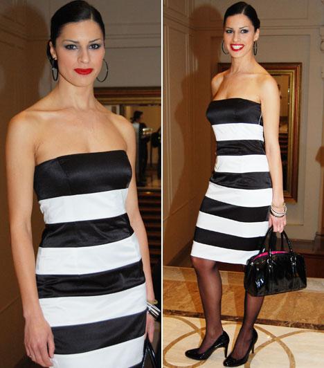 Czippán AnettA TV2 és a FEM3 műsorvezetője egy fekete-fehér csíkos koktélruha mellett döntött.