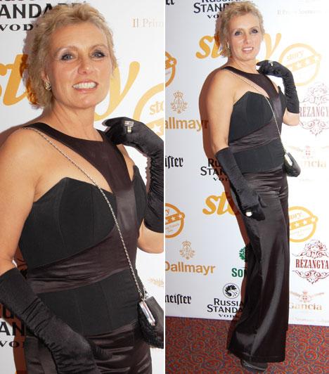 Tallós RitaA színésznő a klasszikus fekete estélyi egy megbolondított darabjában tette tiszteletét a Story-gálán, amelyet Léber Barbara tervezett.