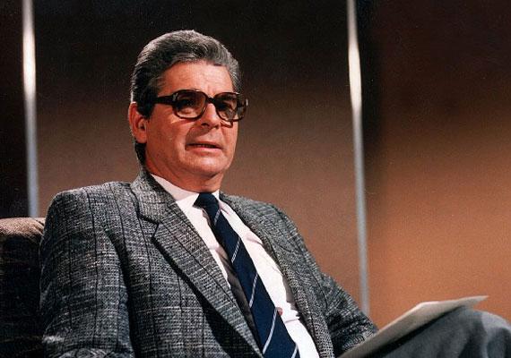 Életének 85. évében, 2015. november 8-án elhunyt Szabó László újságíró, televíziós műsorvezető.