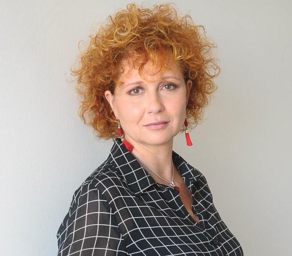2012 szeptemberében 12 év után távozott a TV2 Napló című műsorának csapatából Hadas Kriszta. A szerkesztő-riporter az RTL II Forró nyomon című műsorának lett a főszerkesztője, idén ősszel pedig elindul Nagyszám! - 100 dal, amit egy ország dúdol című műsora.