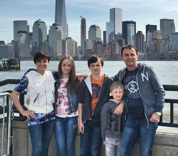 1999-ben Szandi és Bogdán Csaba New Yorkba utazott nászútra. Idén tavasszal immár gyerekeikkel tértek vissza a világvárosba.