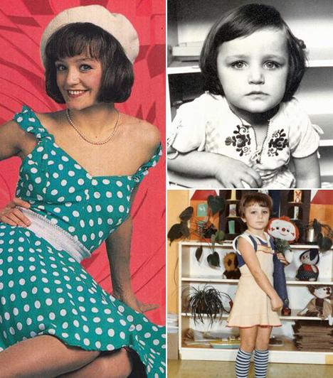 Szandi lesz a művészneveSzandi Pintácsi Alexandra néven látta meg a napvilágot 1976. július 7-én. Nővére, Viktória szintén énekesnő. Mindössze 12 éves volt, amikor Fenyő Miklós felfigyelt a hangjára. Innentől kezdve indult el felfelé ívelő karrierje. Első lemeze Kicsi lány címmel 1989-ben jelent meg.Kapcsolódó cikk:Gyermekkori fotók Szandiról »