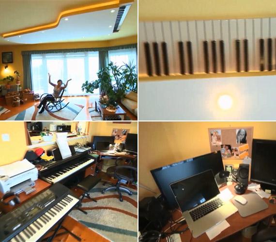 A nappaliban kapott helyet férje és menedzsere, Bogdán Csaba dolgozósarka is. Szintetizátor, pianínó és egy mennyezetről leköszönő zongora mutatja a család zeneszeretetét. Nemrég Szandi lányával énekelt fel egy duettet a házi stúdióban.