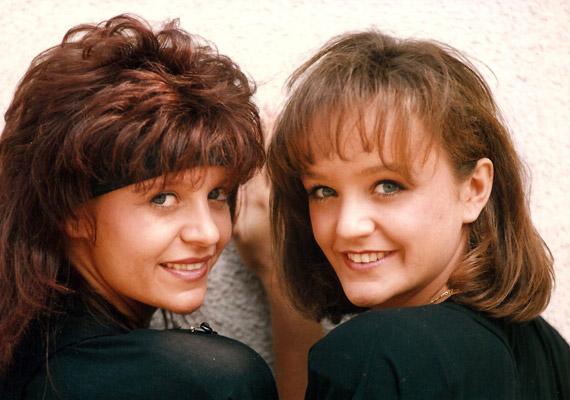 Egy régi fotó a testvérekről 1992-ből - Szandi ekkor 16, Pintácsi Viki 22 éves volt.