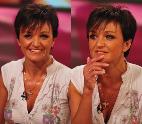 A rövid frizura vagányabb megjelenést kölcsönöz az énekesnőnek, emellett vonásait is jobban kiemeli, mint korábbi hajviselete.