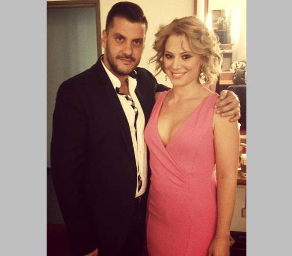 Ezt a merészen dekoltált rózsaszín ruhát a Fábry Show felvételekor viselte - a színésznő máskor is húzhatna ilyen dögös ruhát.