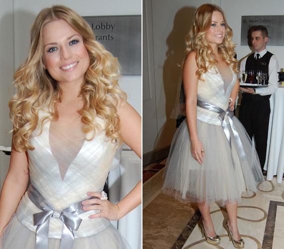 Cserpes Laura, a Megasztár 4-ben feltűnt fiatal énekesnő a 2013-as Story-gálán vett részt Halász Éva egy ezüstösen csillogó, tüll és szatén kombinációjával készült kreációjában.
