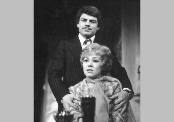 Sztankay István és Schütz Ila több mint háromszázszor alakított házaspárt a Madách Színház 1978-ban bemutatott Jövőre, veled, ugyanitt! című darabjában. Számos más színdarabban is felléptek együtt, és állandó szereplői voltak a televízió kabaréműsorainak is. A közös munkán túl mély barátság is összefűzte őket.