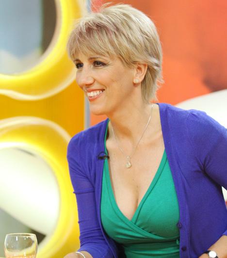Barabás Éva  Az RTL Klub műsorvezetője nem kirívó öltözködéséről híres, dekoltázsa azonban még szolid öltözetben is figyelmet keltő.