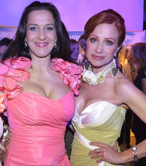 Fésűs Nelly és Détár EnikőA két színésznőt a 2014-es Elle Fashion Show nézőiként merészen dekoltált ruhájukban sokan megnézték.