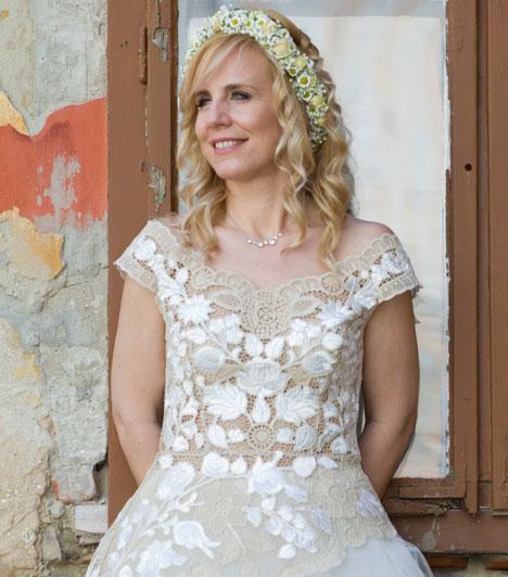 Pataki Zita  Az RTL Klub időjósa tíz hónap ismeretség után másodszor mondta ki a boldogító igent április 20-án. 2012 decemberében csak polgári ceremóniát tartottak szűk családi körben és nem hófehér menyasszonyi ruhában.  Kapcsolódó cikk: Titokban ment férjhez a magyar tévés »
