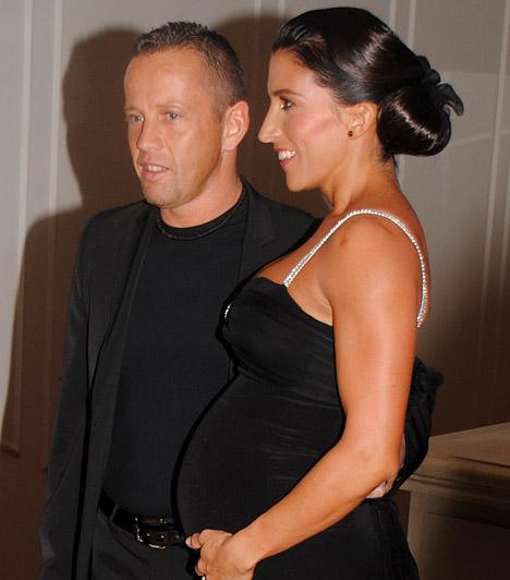 Rubint Réka és Schobert Norbi  A fitnessguru és felesége talpig feketében jelent meg, Rékának már hatalmas a pocakja, ám máshol egy deka felesleg sincs rajta.  Kapcsolódó cikk: Titkos esküvőtt szervezett Réka »