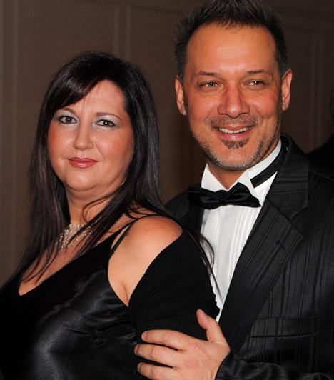 Szőke Zoltán és feleségeA Barátok közt Berényi Mikije igazán elegáns volt sötét öltönyében, felesége, Anikó szintén fekete, hosszú estélyit választott az alkalomra.