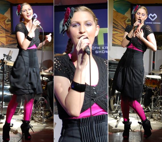 Galambos Dorina, a Megasztárral ismertté vált énekesnő ebben a Blue Paprika ruhában szórakoztatta a vendégeket, csakúgy, mint zenekara, a Mrs. Columbo tagjai.