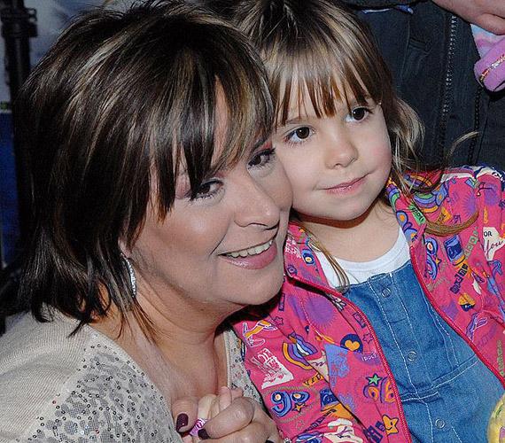 Szulák Andrea 43 éves volt, amikor 2007. április 26-án megszületett Rozina. A kislánya tavasszal lesz hétéves.