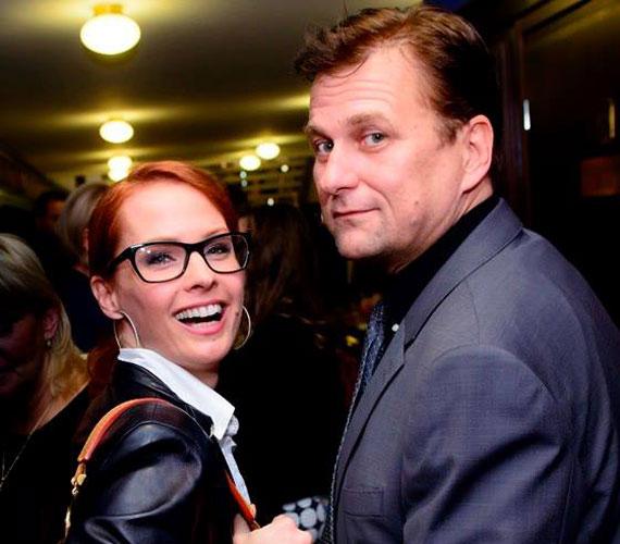 A viszonylag friss szerelmesek, Dobó Kata és Anger Zsolt az év elején vállalták fel a nagy nyilvánosság előtt, hogy egy párt alkotnak. Azóta számos magyar film és színdarab premierjén jelentek meg kéz a kézben.