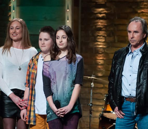 Varga Miklós lánya, Vivien Az ének iskolája című műsor áprilisi adásában aratott nagy sikert. Az István, a király című rockoperával híressé vált színész-énekes 13 éves csemetéje lenyűgözte a zsűrit.