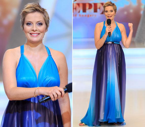 Tatár Csilla egy Benes Anita által tervezett kék-lila színátmenetes estélyiben vezette vasárnap este a Magyarország Szépe című műsort.