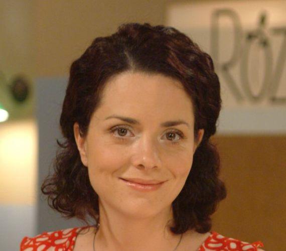 Szilágyi Andrea karakterét azért írták ki a sorozatból, mert túl unalmasnak érezték, de azért időről időre visszatér.